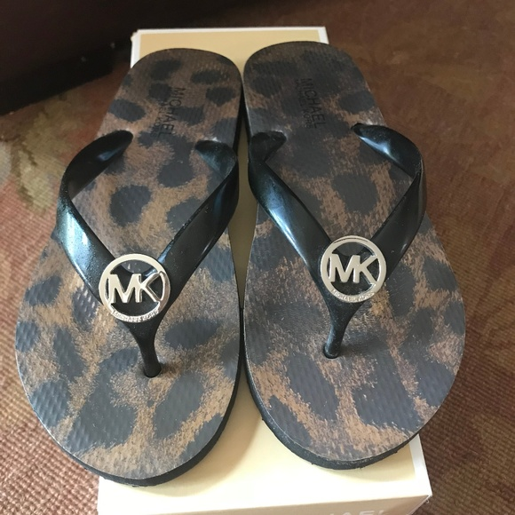 purchase cheap super cheap limited guantity Michael Kors Leopard Print Black Flip Flop Size 6